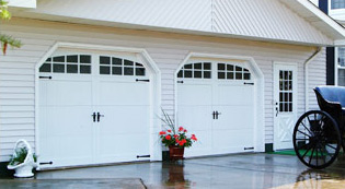 ----garagedoor-types_CarriageHouseOverlay.jpg